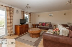 View Full Details for Wiltshire Crescent, Royal Wootton Bassett, Swindon - EAID:11742, BID:1